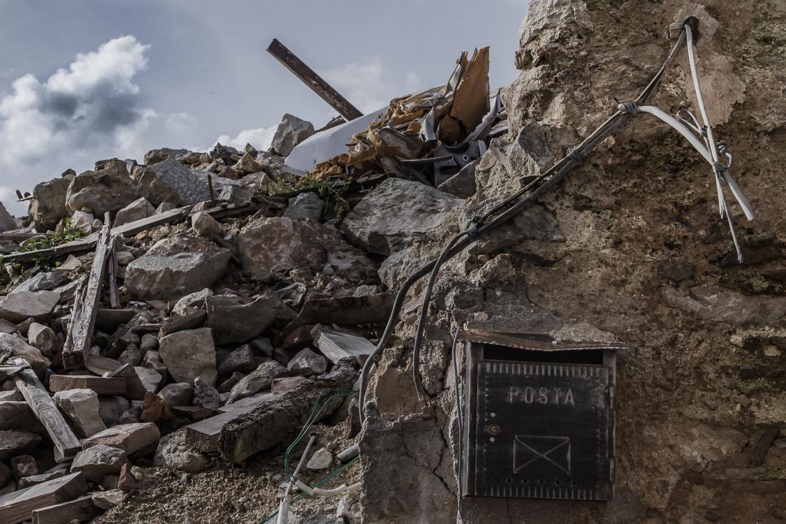 LAquila-Italy-Earthquake-Andrew-Mackinnon-02
